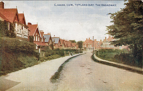 totland broadway looking east